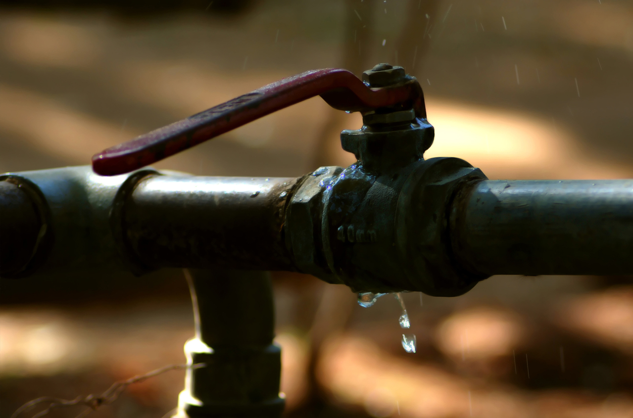Fix Leaking Pipes and Dripping Taps